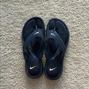 Nike memory foam thing sandals.